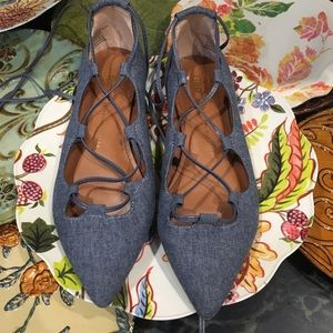 GAP DENIM LACE UP POINTED TOE FLATS. Size 7